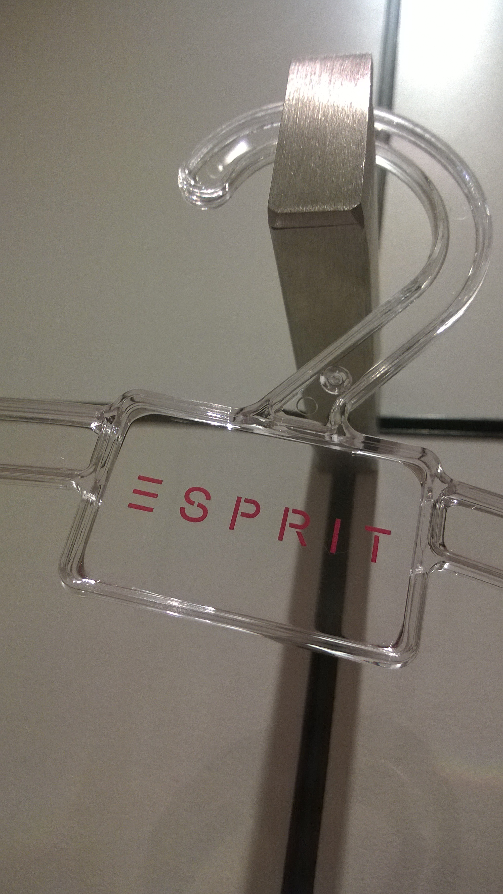 esprit swot analysis Esprit - a lifestyle brand aiming to become the european leader in the fashion   oliver (swot, financial analysis, portfolio evaluation, brand performance.